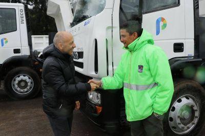 Más camiones y equipamineto para la flota municipal de Pilar
