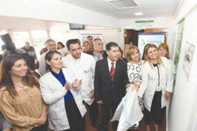 Casas inauguró nuevo servicio en el hospital Vera Barros