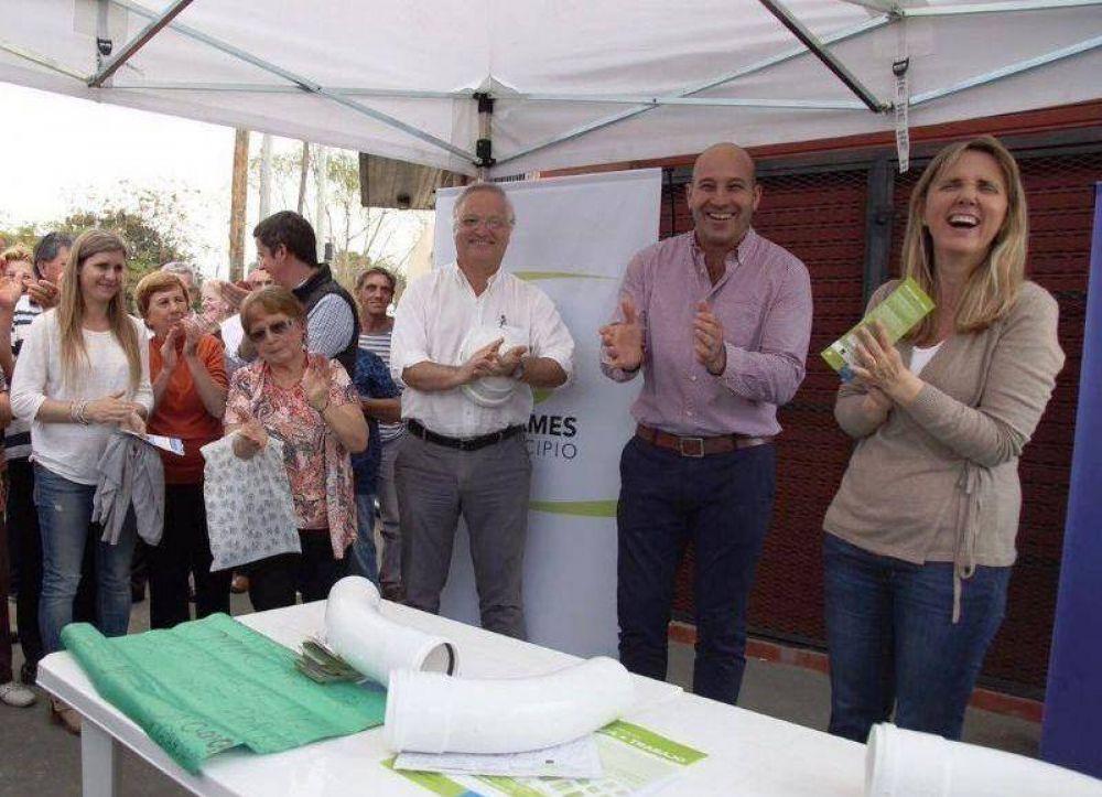 Martiniano Molina y Gladys González inauguraron una red cloacal para Quilmes oeste