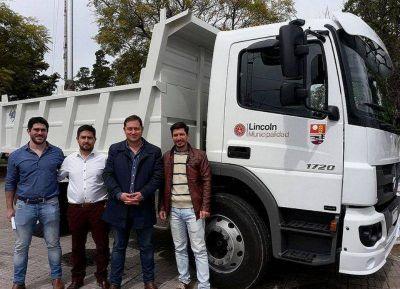 Lincoln: se incorporó un camión para la recolección de residuos reciclables