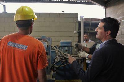 Abad visitó el Centro de Formación Profesional Nº 407