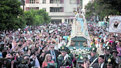 Siete cuadras de pura devoción a la Virgen de La Merced