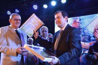 Con la presencia del Senador Zamora y el Vicegobernadora Neder la ciudad celebró su 164° aniversario