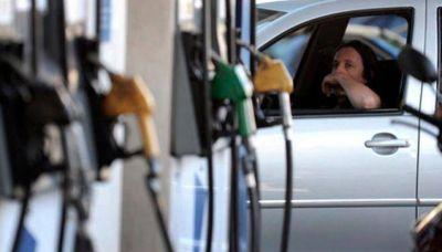 El Gobierno liberó los precios de los combustibles pero no habría aumentos en lo inmediato