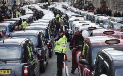 ITF apoyó la decisión de quitarle a Uber su licencia como operadora de taxis en Londres