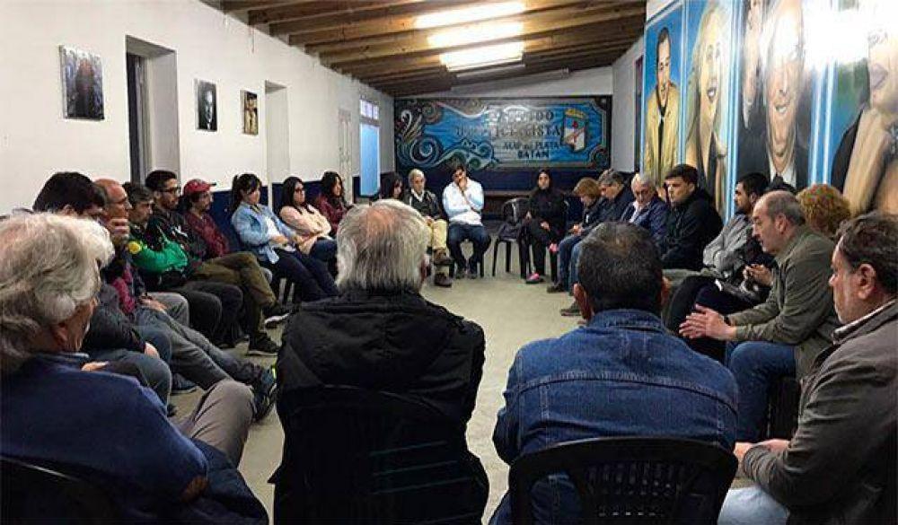 Agrupaciones kirchneristas locales apuntaron contra la oposición