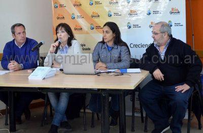 """El libro """"Trabajo y Salud en Puestos de Atención al Público"""" fue presentado en Río Grande"""