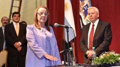 Santa Cruz: Tras el pedido de los gremios comienzan a tratar juicio político para Alicia Kirchner