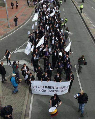 Colombia: Tras movilización, continúa el paro de pilotos de Avianca