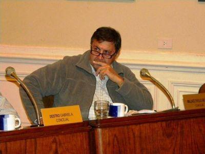 El Concejal Wallace del Bloque Frente Renovador-1País presenta proyecto para creación de Centro de oficinas