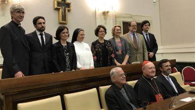 El Vaticano premió a dos académicos argentinos