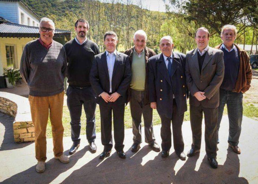 Arroyo participó de encuentro con productores de papa, avena y maíz