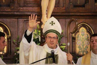 El nuevo obispo brinda su primera misa en Necochea