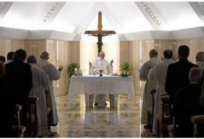 Homilía del Papa: los arcángeles enviados para acompañarnos en la vida