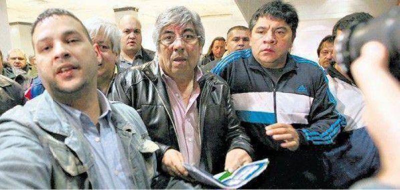 """Moyano: """"A los diarios s�lo les creo la fecha y el precio de tapa"""""""