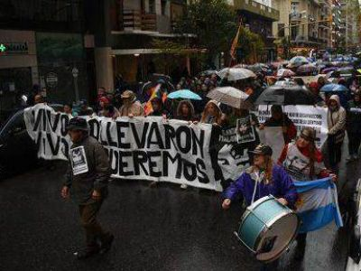 Miles de marplatenses se movilizaron por Santiago Maldonado