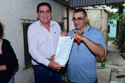Nueva entrega de adjudicaciones en venta de terrenos a vecinos del barrio Eva Perón