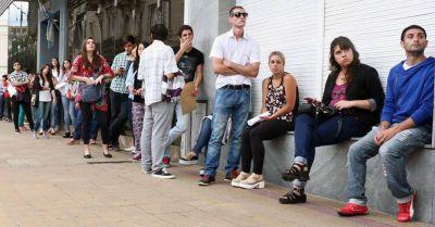 Jóvenes de hasta 29 años, el sector con más desocupación en la ciudad