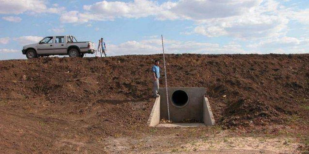 Provincia construirá cerca de 600 microembalses para retener el agua luego de las lluvias