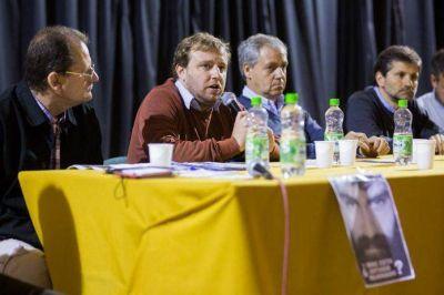 Debate de concejales: Maraude expuso ante cientos de alumnos