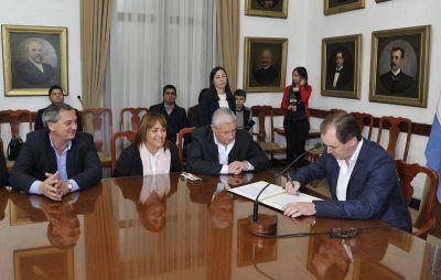 Invierten más de 230 millones de pesos en infraestructura educativa, sanitaria y productiva para el norte y centro entrerriano