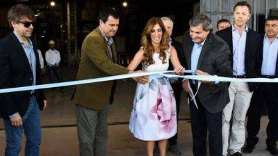 La gobernadora Claudia de Zamora inauguró una planta productiva