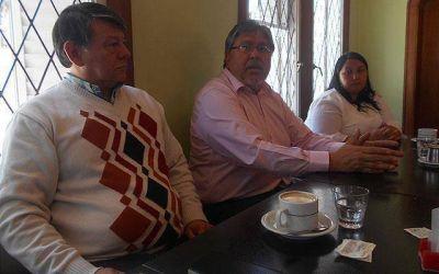 """Navarro instó a """"romper con el peronismo encadenado al pasado"""""""