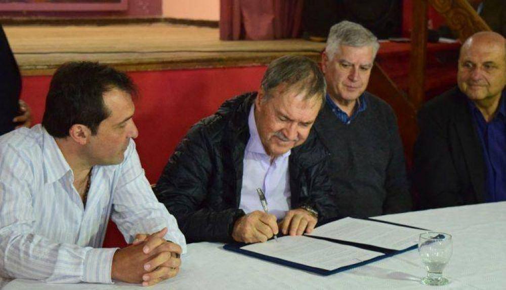 Schiaretti rubricó convenios para la repavimentación de la ruta 30 y la ruta 24