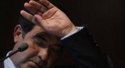 Echegaray se refugia en el Congreso con la ayuda de Abad
