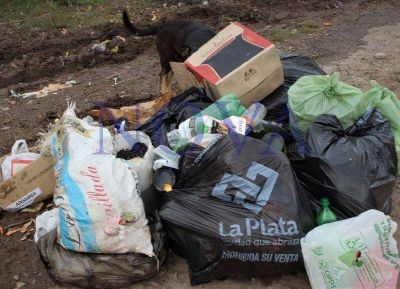 Asamblea ambiental de La Plata exige al Municipio el saneamiento y control de la cantera de Hernández