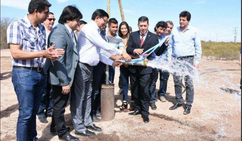 El gobernador inauguró el acueducto y red de agua potable beneficiando a más de seis localidades