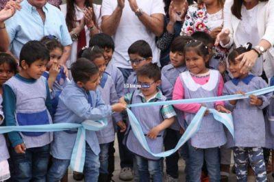 Urtubey inauguró obras en dos escuelas de Vaqueros
