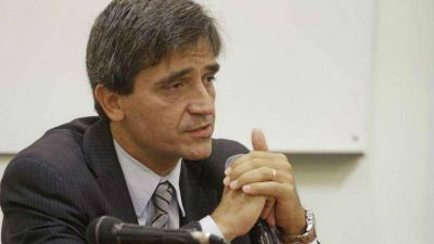 Un triunfo del macrismo complicaría las finanzas provinciales, dice Yedlin