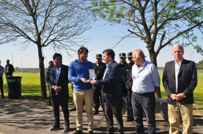 El Ministro Ritondo hizo entrega de cinco patrulleros en San Nicolás