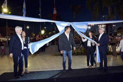 Julio Zamora, Luis Andreotti y Sergio Massa, inauguraron la nueva Plaza del Canal