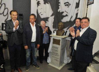En un emotivo acto colocaron el busto de Antonio Felipe Balcedo en la sede del PJ