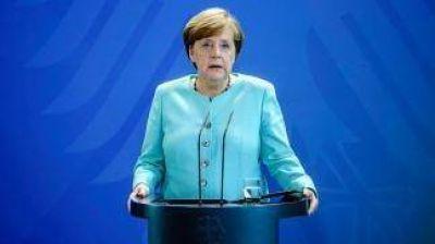 Merkel empezará a negociar la formación de un nuevo gobierno con Liberales y Verdes