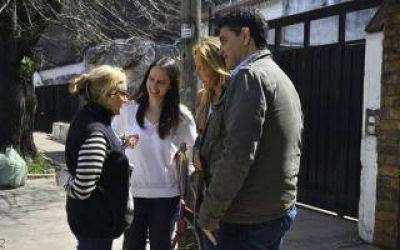 Soledad Martínez y Jorge Macri encabezaron timbreo en Carapachay y Villa Adelina