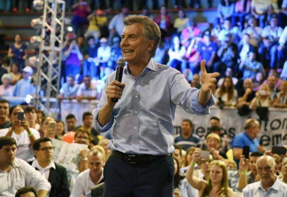 En campaña, Macri volvió a prometer crecimiento y baja de la inflación