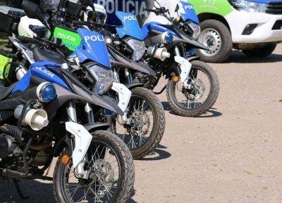 Poletti presentó los nuevos móviles para la Policía