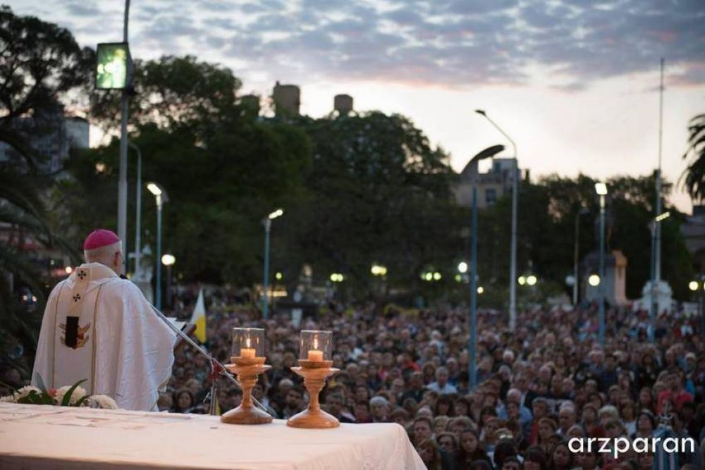 Paraná celebró a la Virgen del Rosario