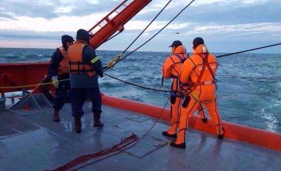 """Capitanes de pesca piden reflotar al buque Repunte y aseguran que la maniobra es """"absolutamente posible"""""""