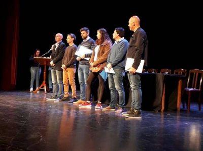 Se realizó el Debate de candidatos a concejales en el Teatro Municipal