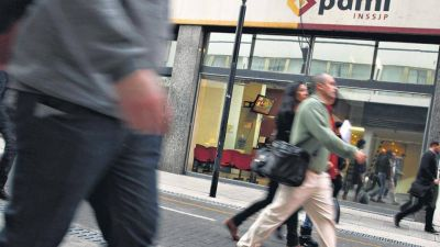 Trabajadores del PAMI se movilizan contra la tercerización