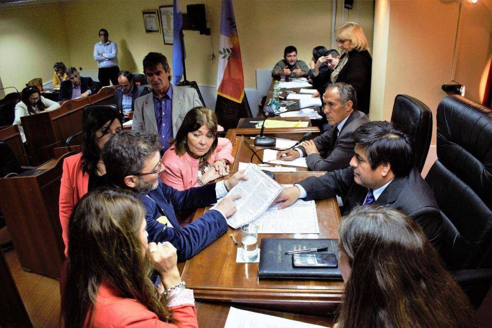 La oposición unida logró la interpelación al ministro de Producción y Desarrollo