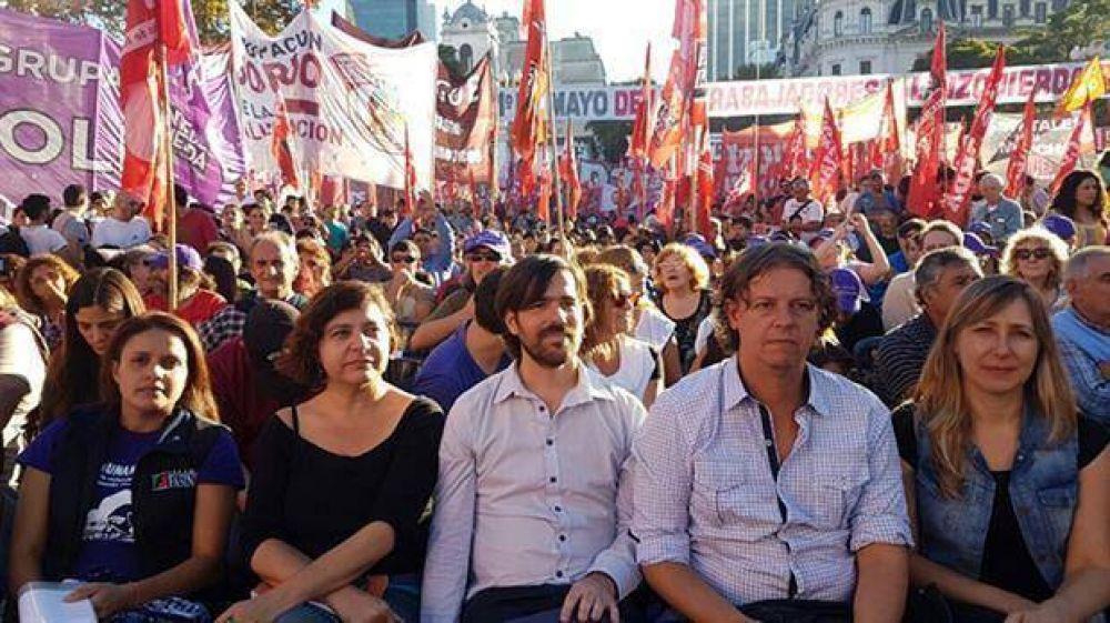 La izquierda calienta la campaña con una protesta