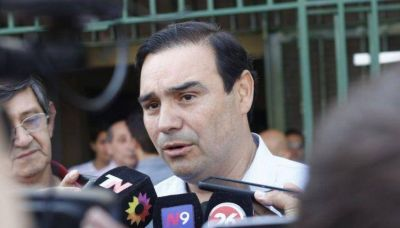 Nuevo gobernador de Corrientes planta bandera en pelea por el Fondo del Conurbano