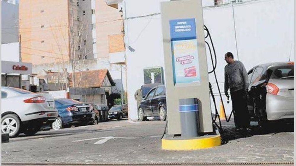 Serán seis los aumentos entre naftas, gas, luz y transporte hasta abril