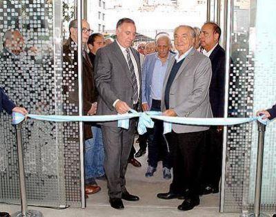 Armando Cavalieri inauguró una clínica odontologica de OSECAC