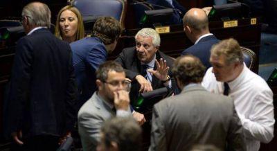 A días de la elección, los bloques de Massa en la Legislatura entran en crisis